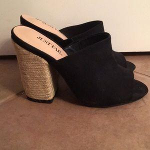 3/$20✨JustFab Open Toed Block Heels